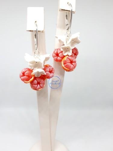 Rankų darbo auskarai su greipfrutais