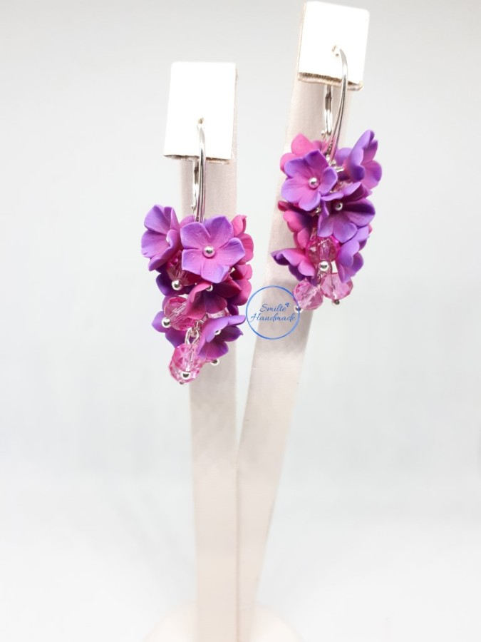 Ryškūs auskarai su gėlėmis